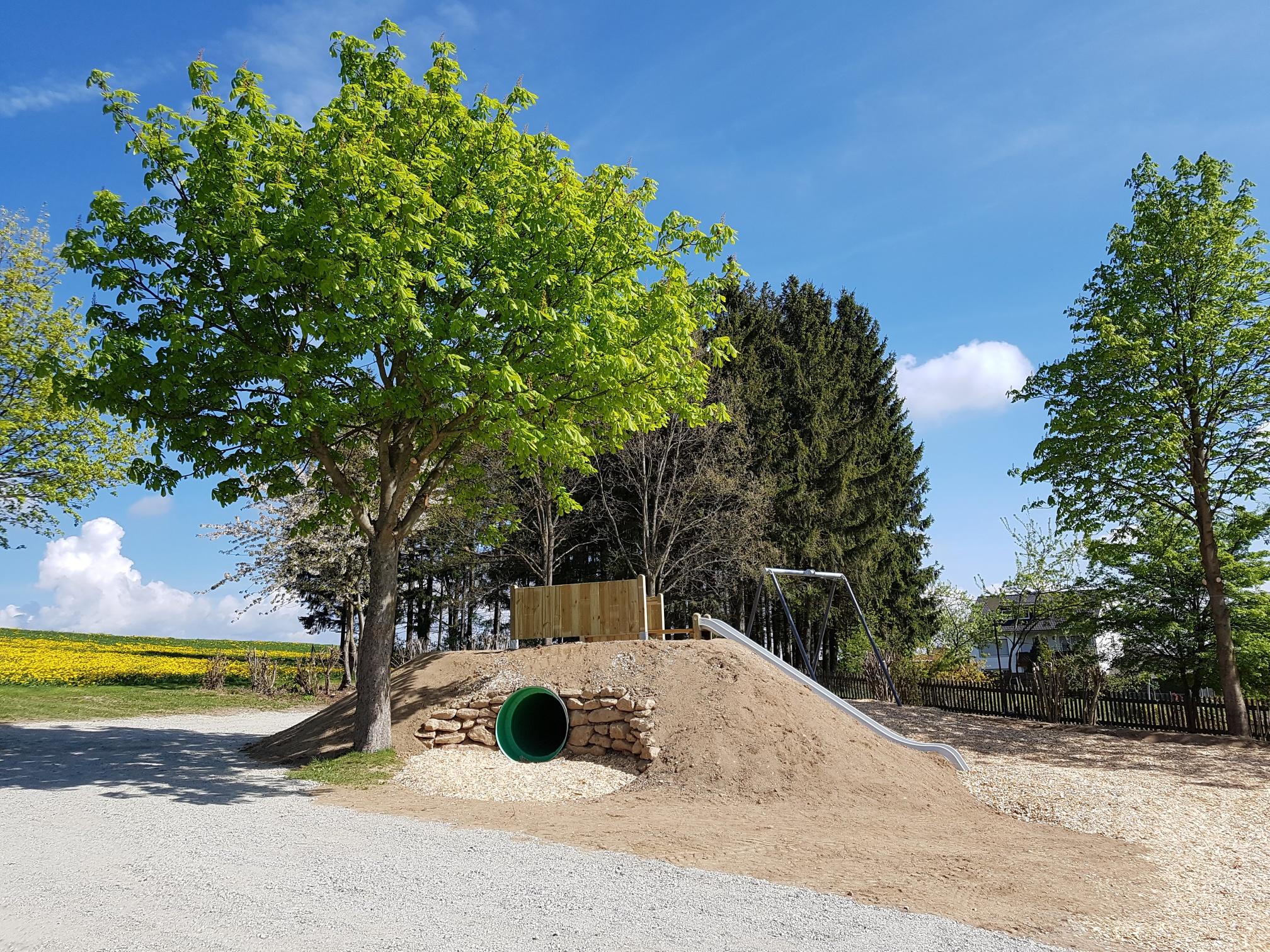 Spielplatz am Hohen Stein mit Seilbahn